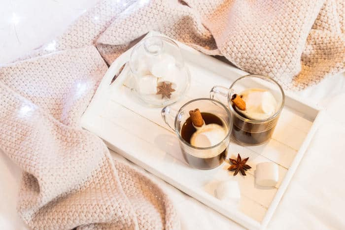 cold weather blanket hot chocolate
